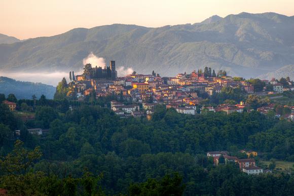 Barga Italy  city images : Zenfolio | PKimage | Italy | Barga from Albiano, Italy